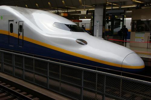 japoński pociąg Shinkansen